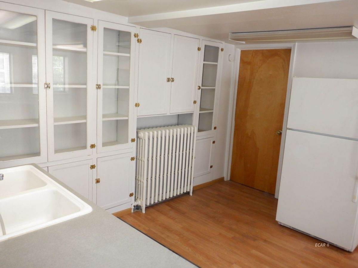 524-528 Commercial Street Property Photo 32