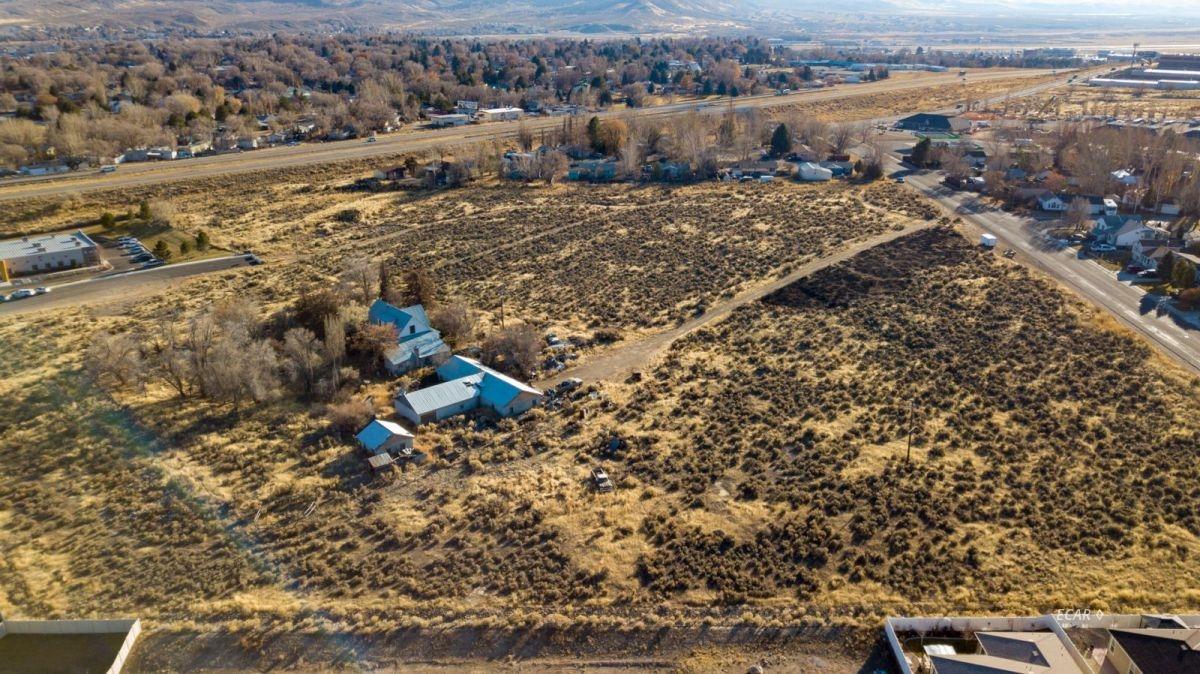 640 Spruce Road Property Photo 6