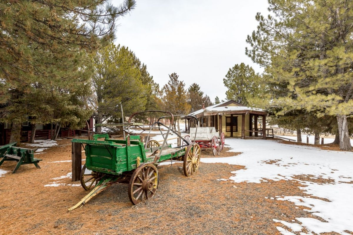 441 Spring Creek Parkway Property Photo 33