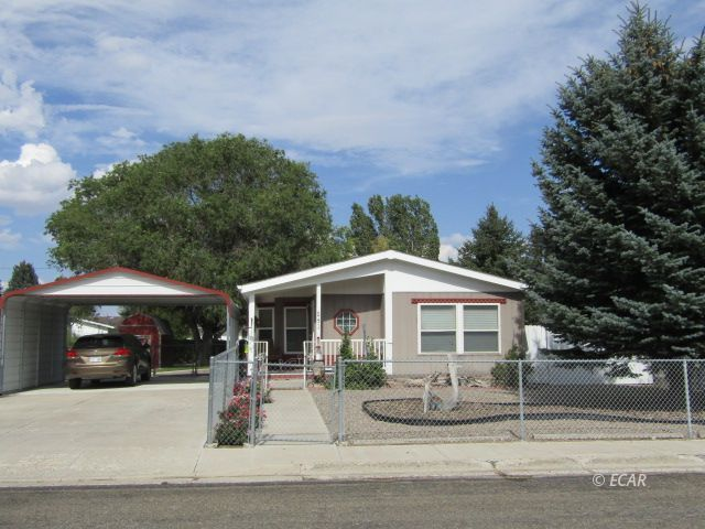 541 Baker Street Property Photo