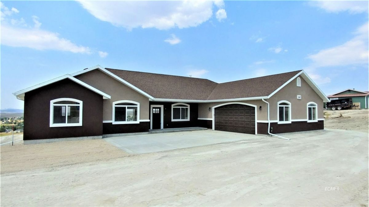 512 Robinson Court Property Photo - Elko, NV real estate listing