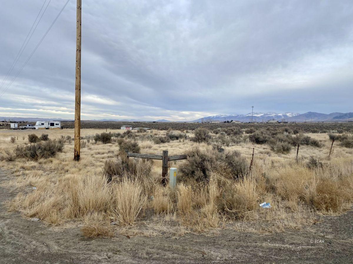 2528 N Pleasant Valley Road Property Photo 3