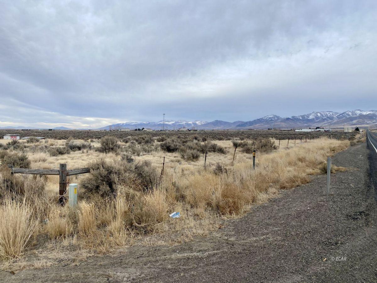 2528 N Pleasant Valley Road Property Photo 4