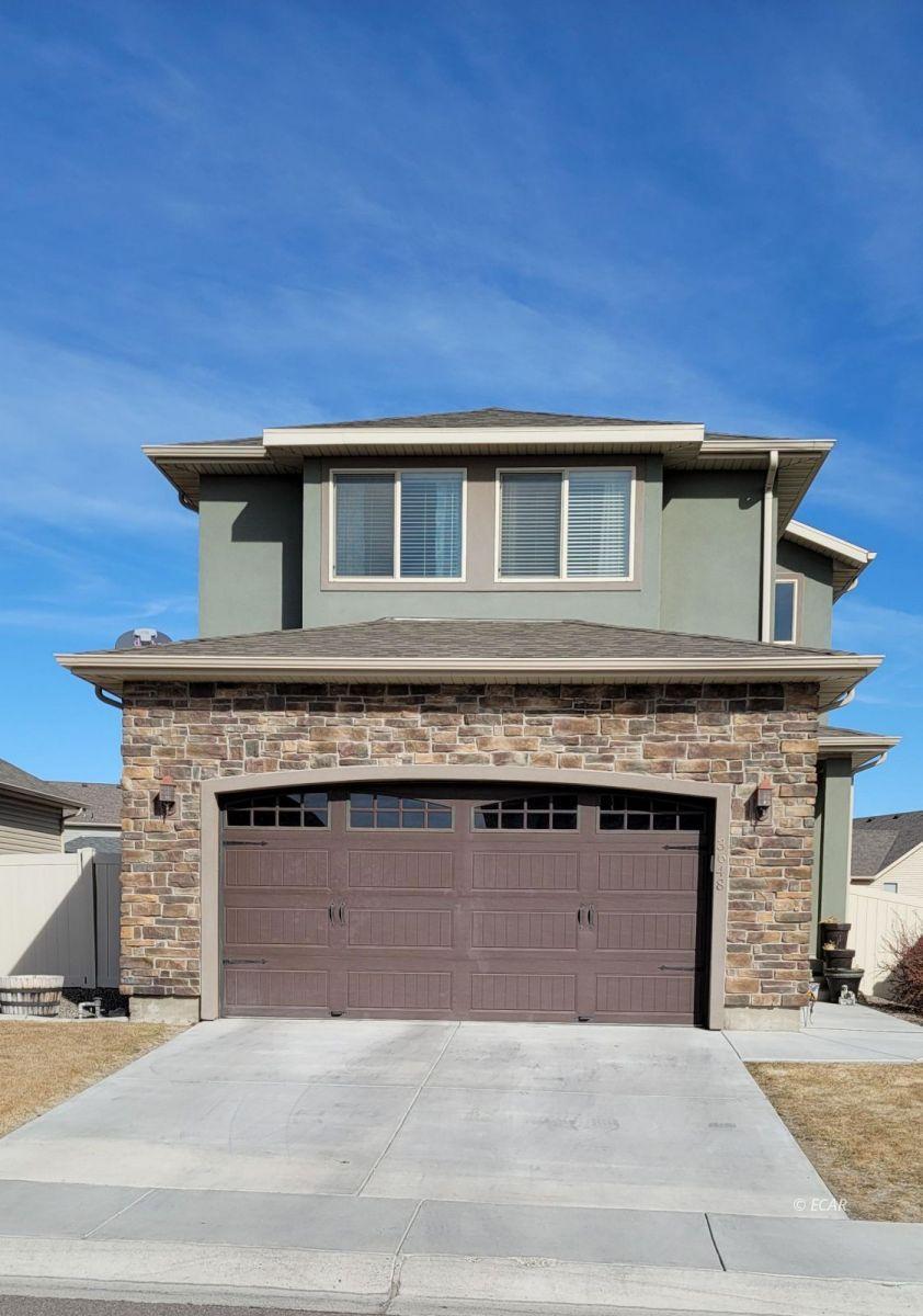 Autumn Colors Real Estate Listings Main Image