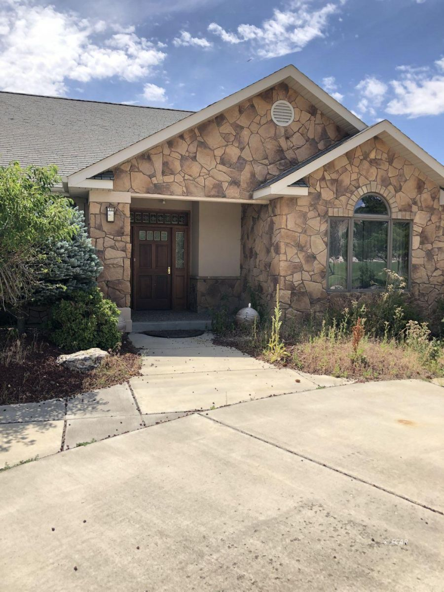 Sweetwater Lane Property Photo 1