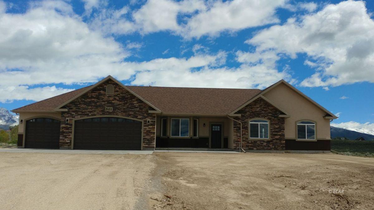 656 Amber Way Property Photo 1