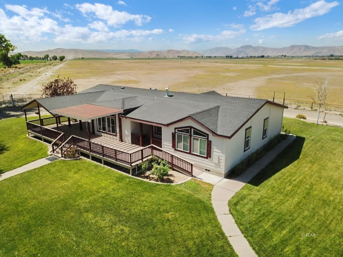60 Pete Hendrichs Road Property Photo - Yerington, NV real estate listing