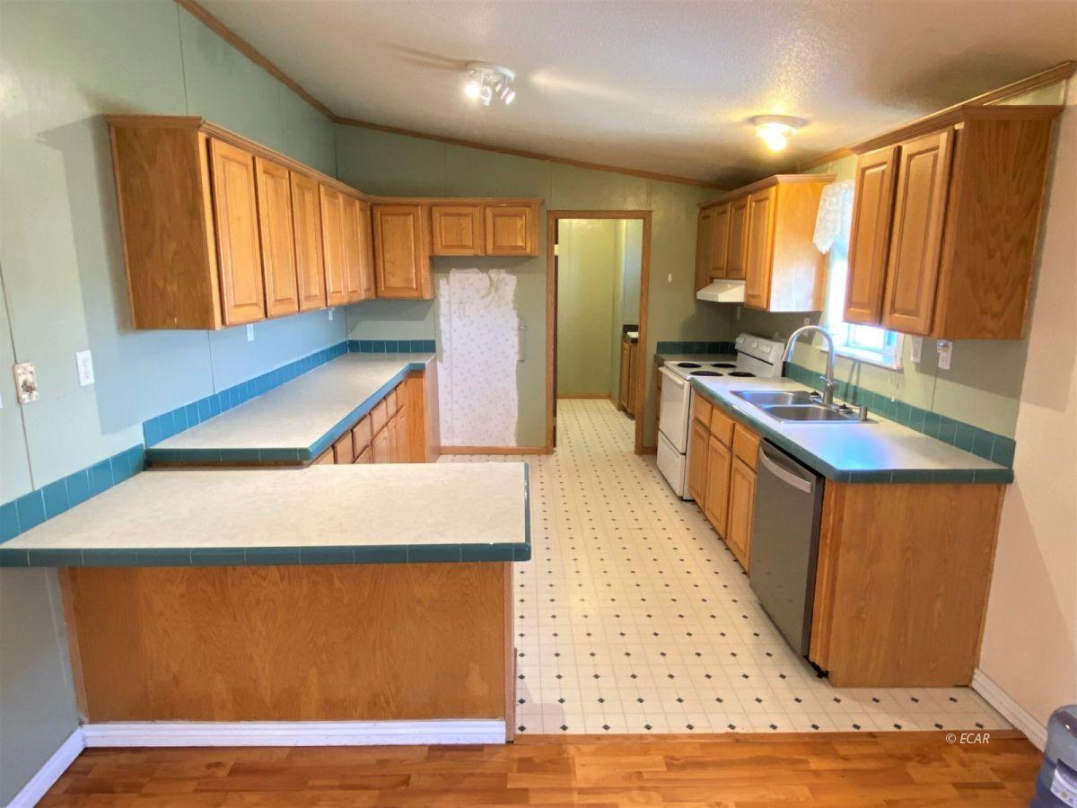 460 Starr Lane Property Photo 2