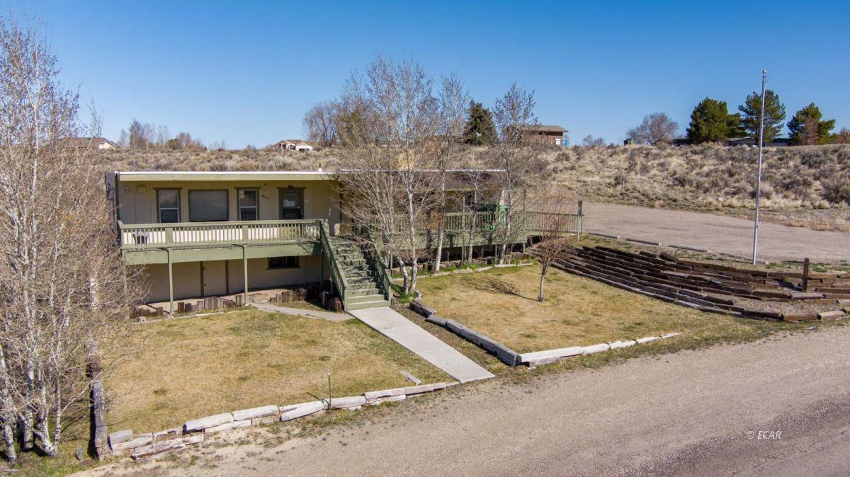 451 Spring Creek Parkway Property Photo 1