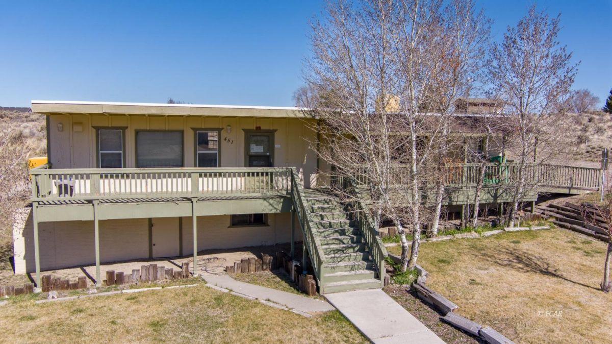 451 Spring Creek Parkway Property Photo 2