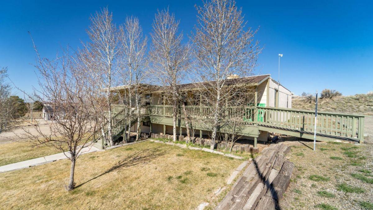 451 Spring Creek Parkway Property Photo 3