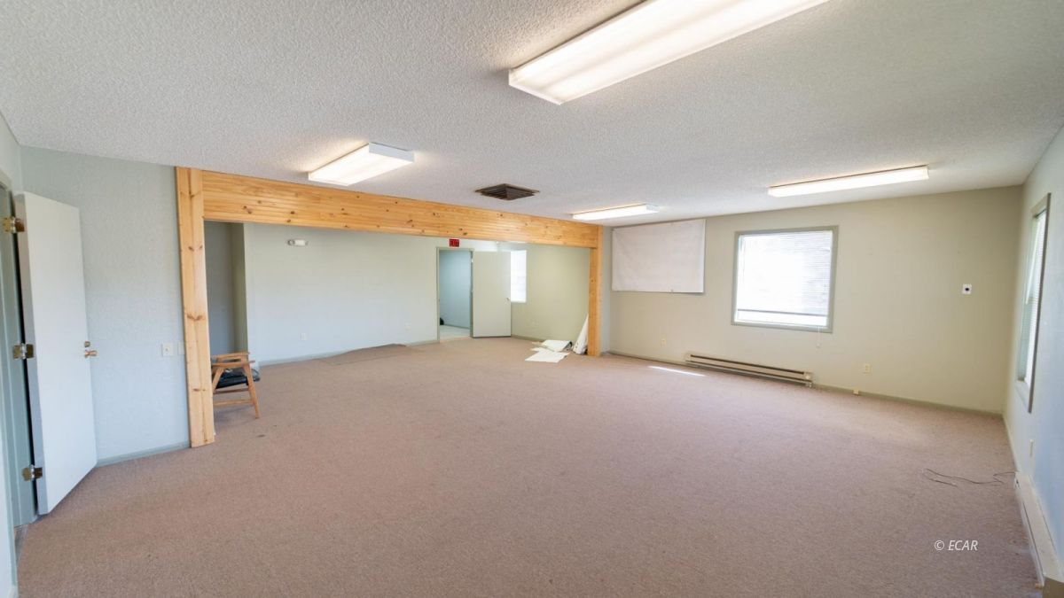 451 Spring Creek Parkway Property Photo 5