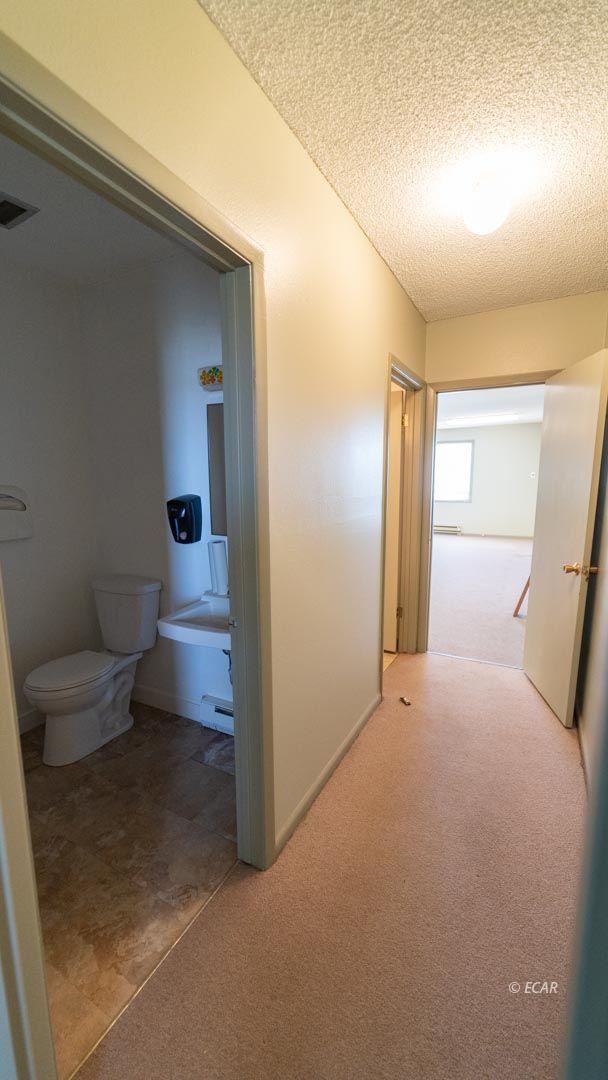 451 Spring Creek Parkway Property Photo 8