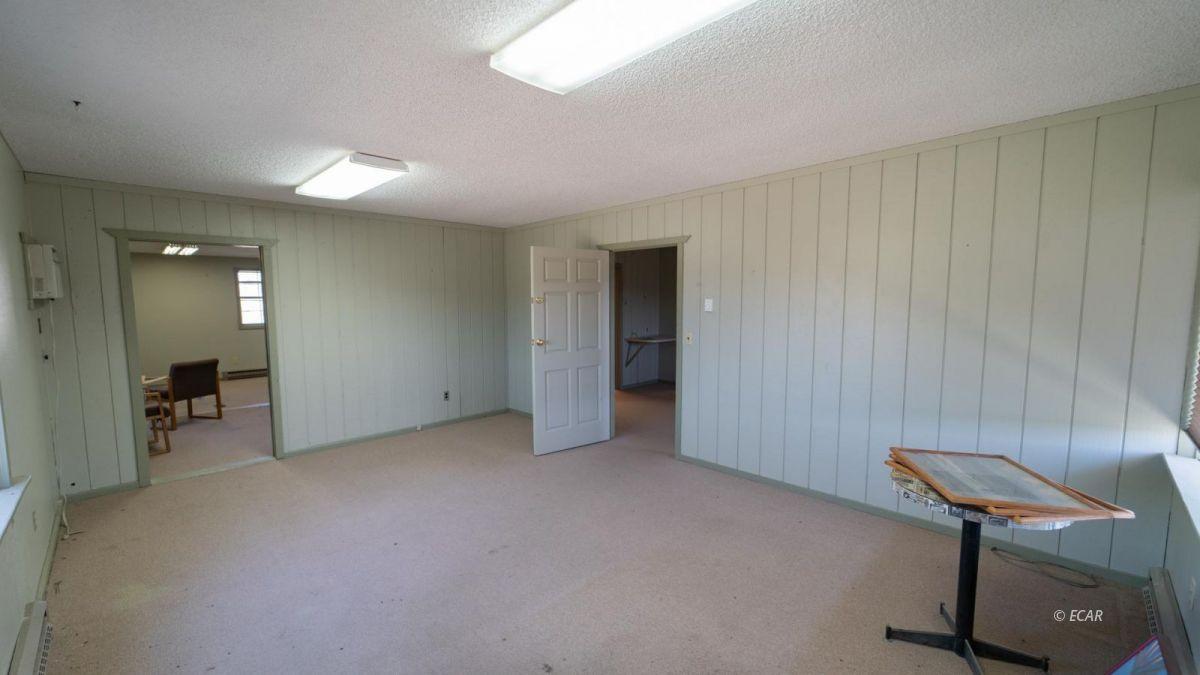451 Spring Creek Parkway Property Photo 12