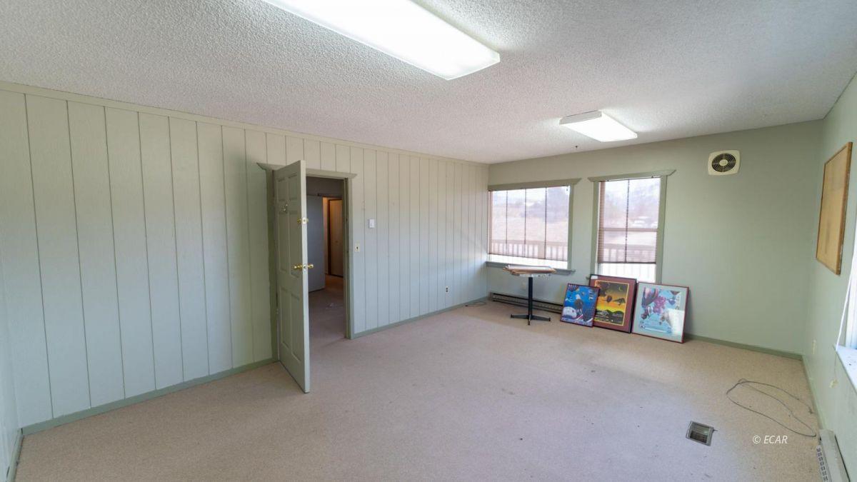 451 Spring Creek Parkway Property Photo 13