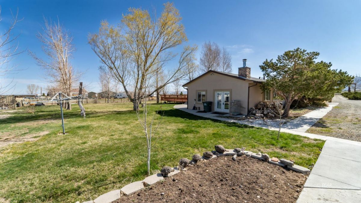215 Rabbit Creek Drive Property Photo 1