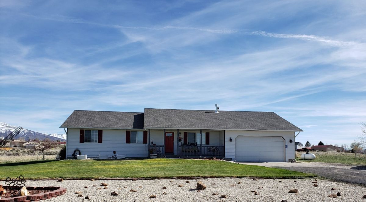 136 Agate Drive Property Photo 1