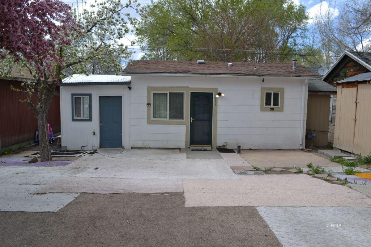 843 Lincoln Avenue Property Photo 1