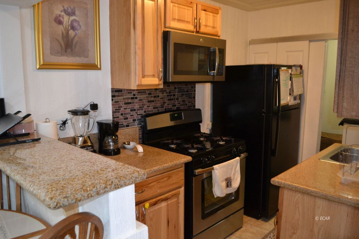 843 Lincoln Avenue Property Photo 3