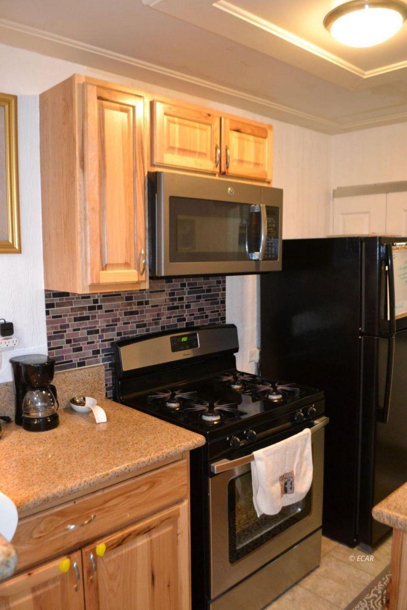 843 Lincoln Avenue Property Photo 4