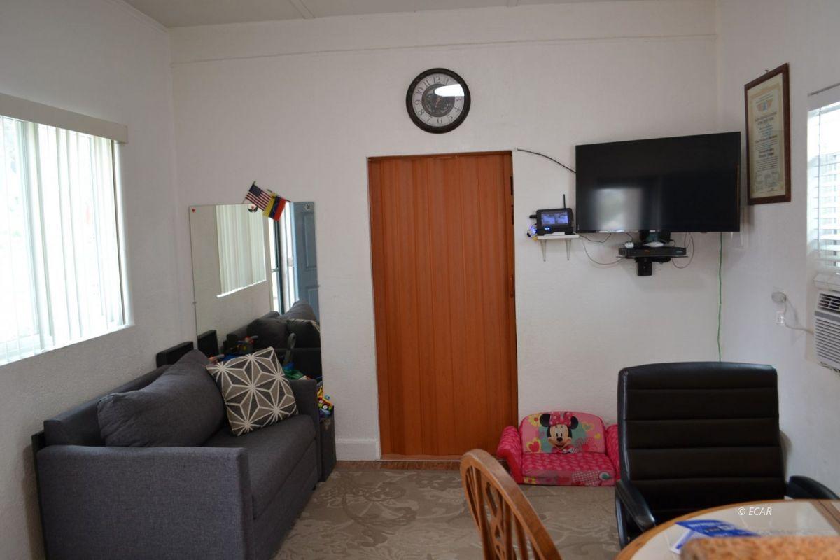 843 Lincoln Avenue Property Photo 7