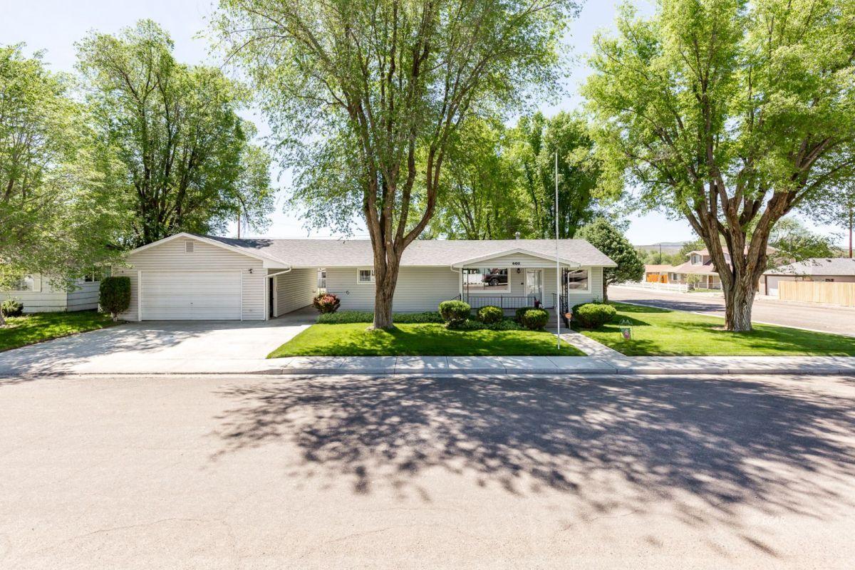 601 Cedar Street Property Photo 1