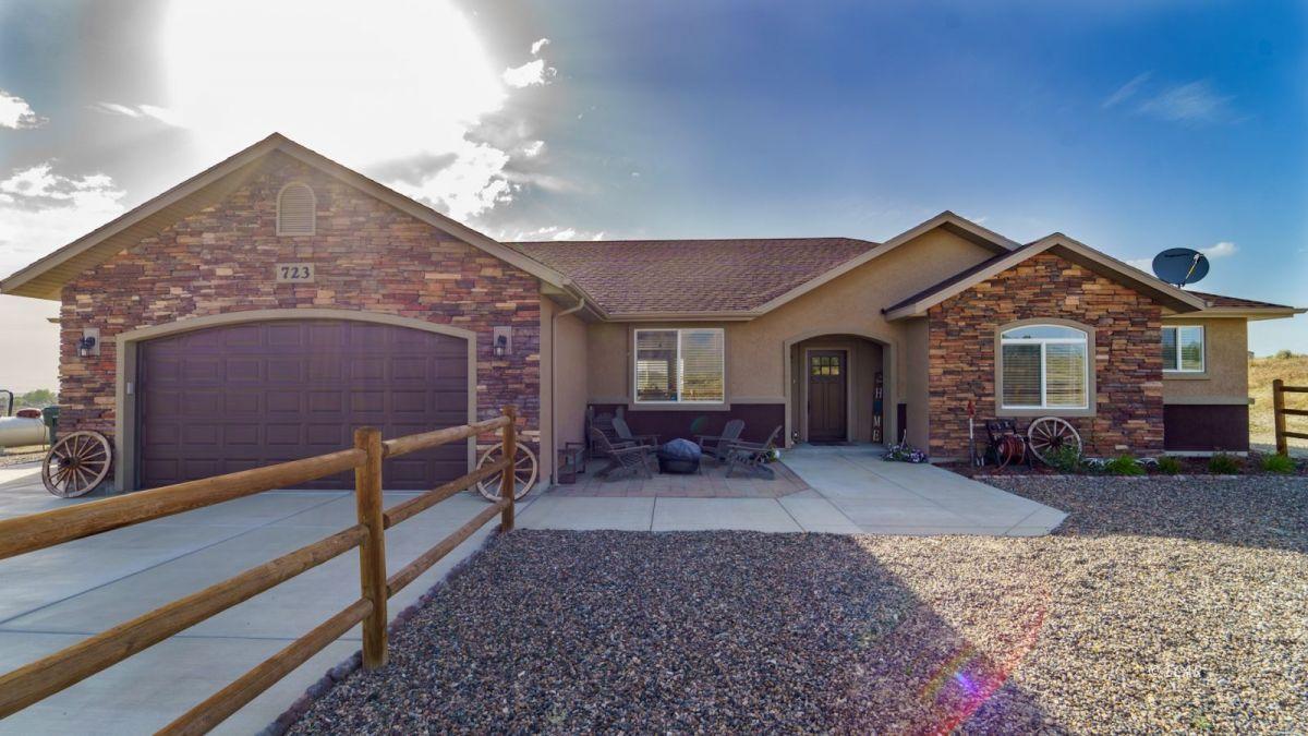 723 Bluegrass Drive Property Photo 1
