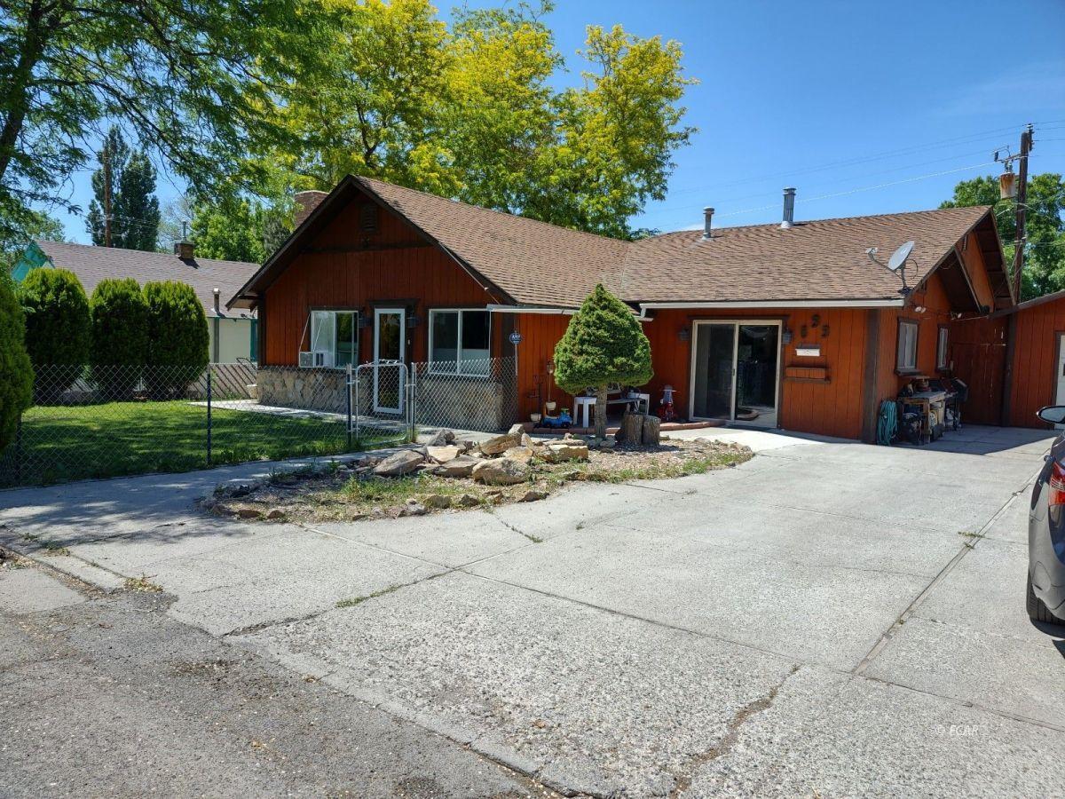 833 Lincoln Avenue Property Photo 2