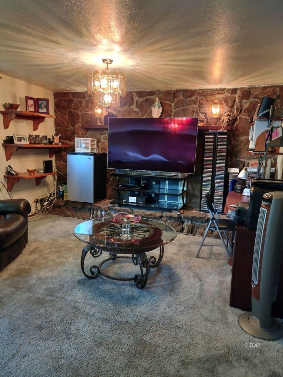 833 Lincoln Avenue Property Photo 5