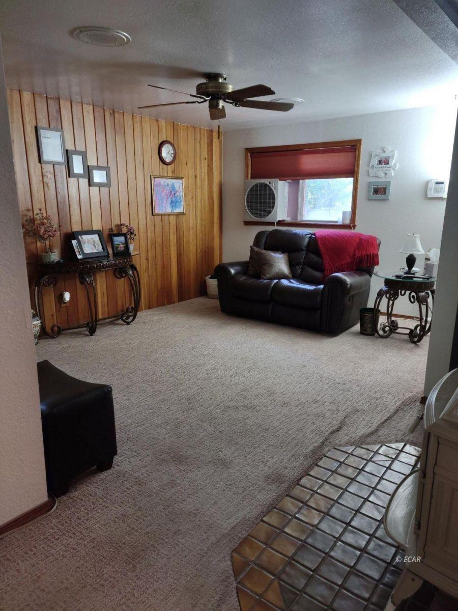 833 Lincoln Avenue Property Photo 8