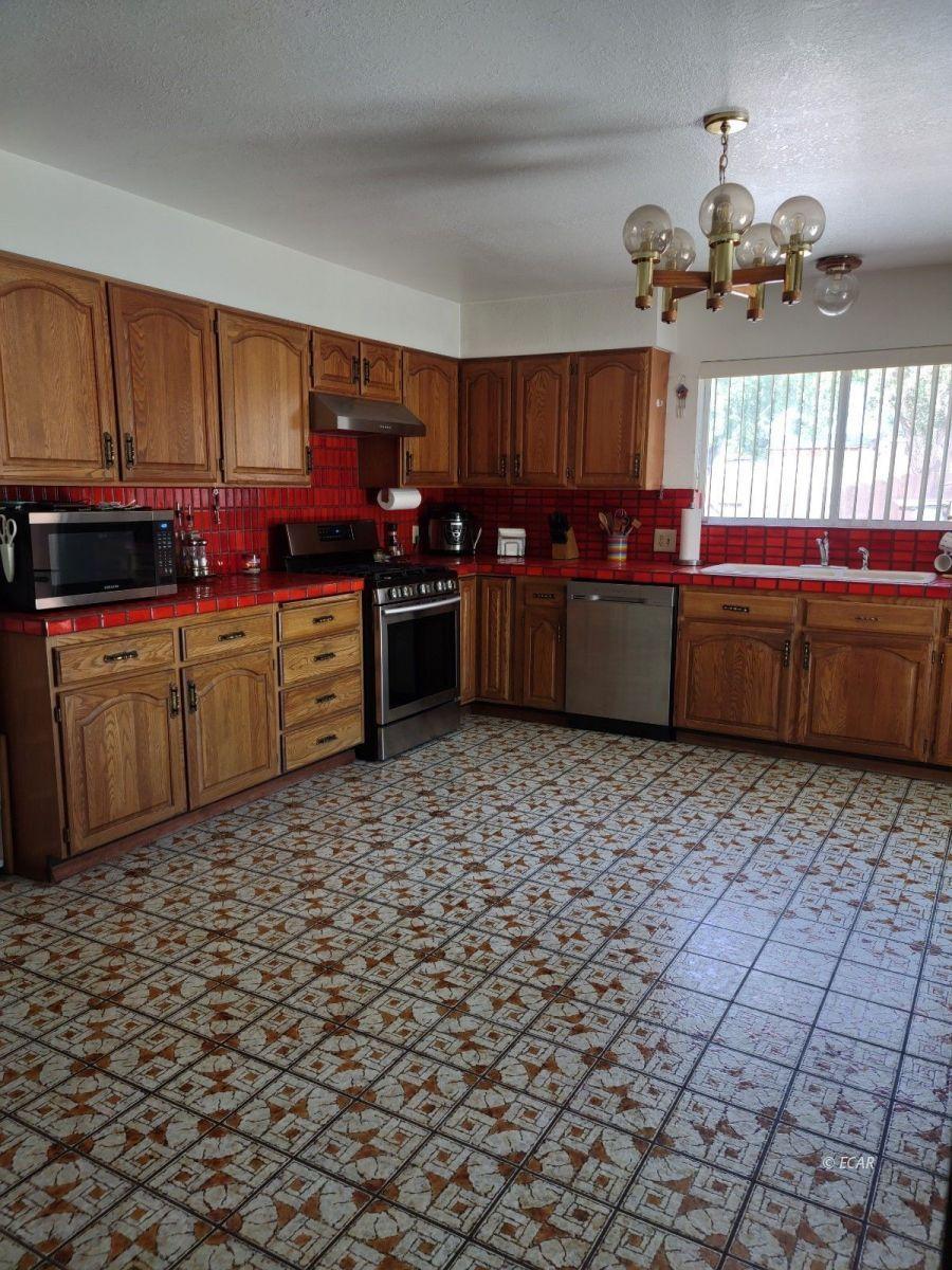 833 Lincoln Avenue Property Photo 10