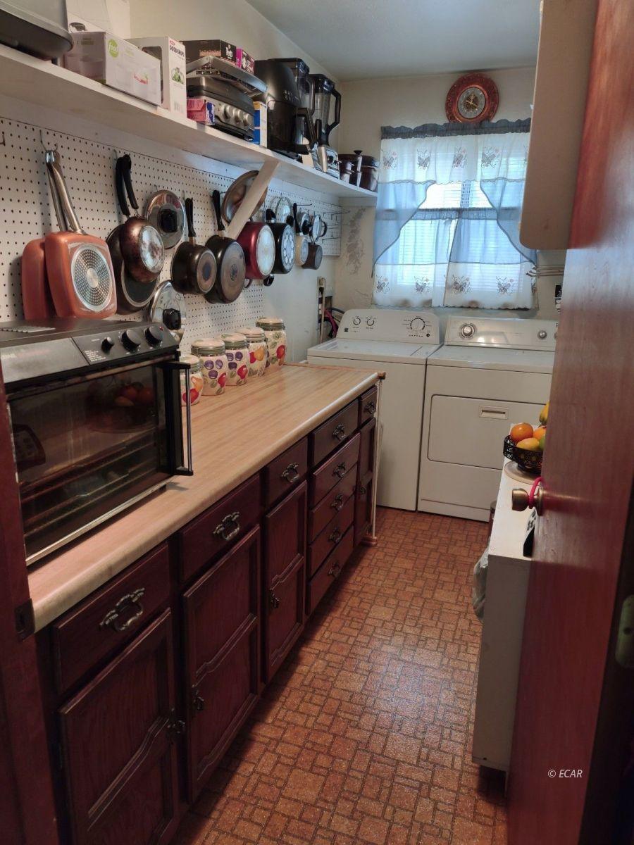 833 Lincoln Avenue Property Photo 22