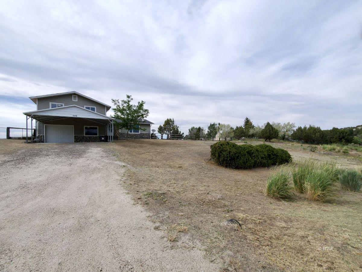 646 Spring Creek Parkway Property Photo 1