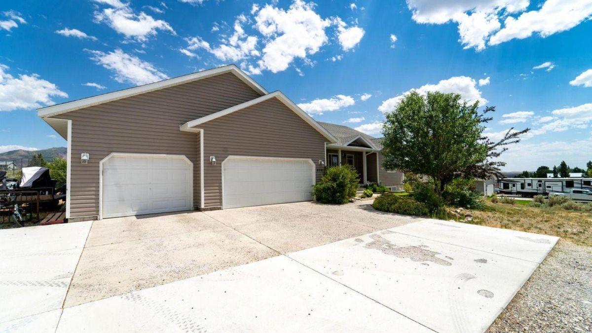 830 Silver Oak Drive Property Photo 1