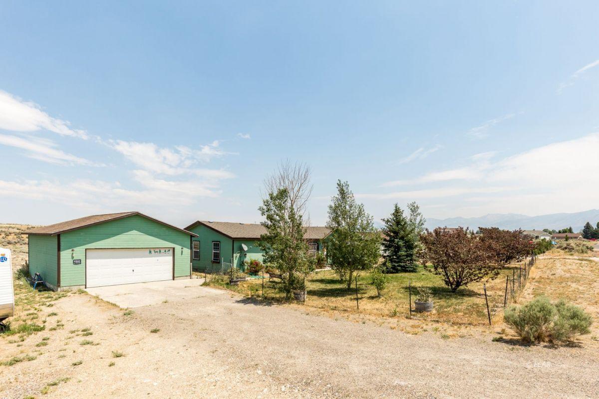 638 Willington Drive Property Photo 2