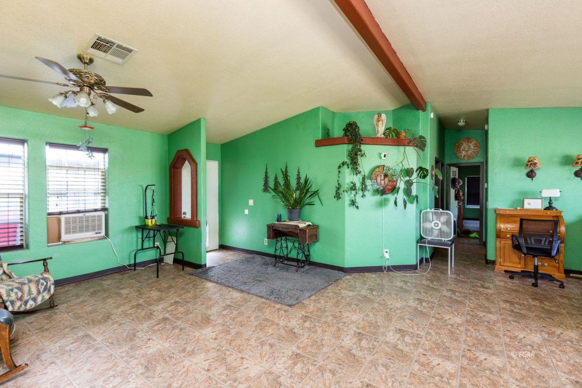 638 Willington Drive Property Photo 4