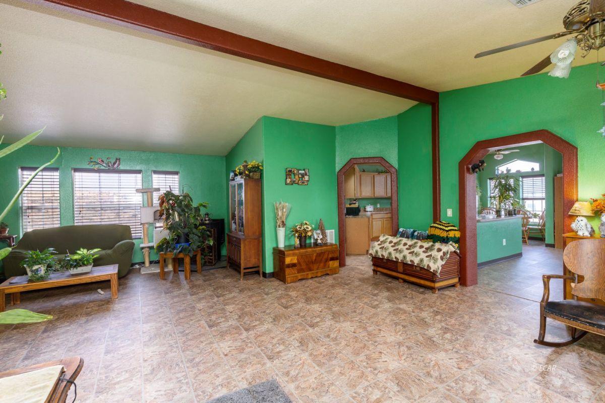 638 Willington Drive Property Photo 6