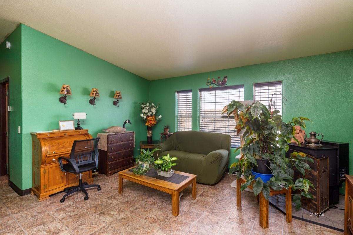 638 Willington Drive Property Photo 9