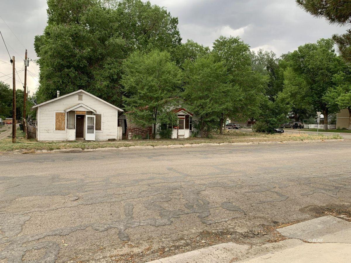 222 8th Street Property Photo 1