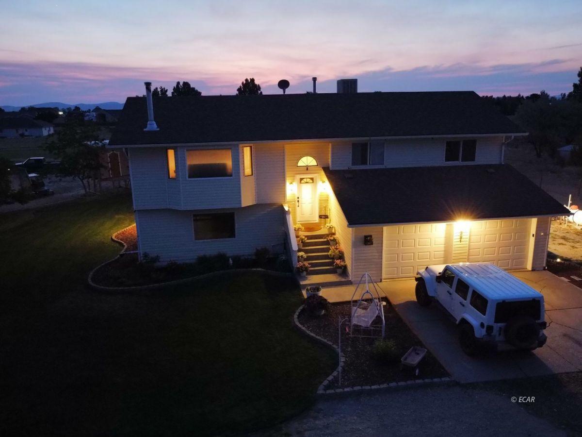 391 Edgebrook Drive Property Photo 1