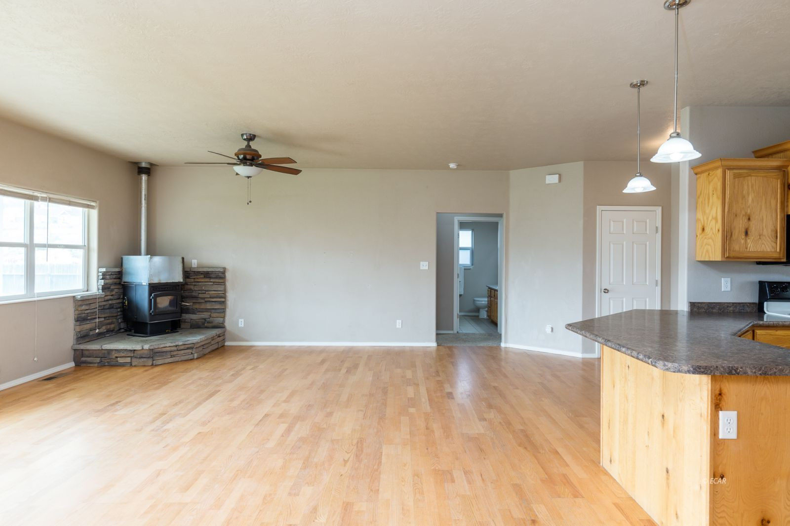 358 Country Club Parkway Property Photo 5