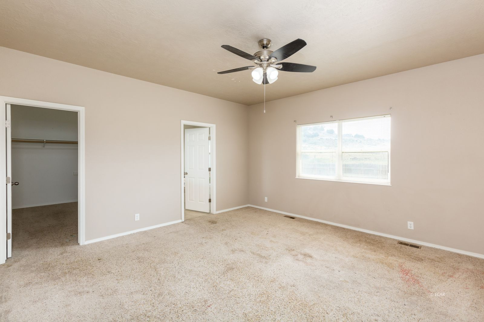 358 Country Club Parkway Property Photo 12