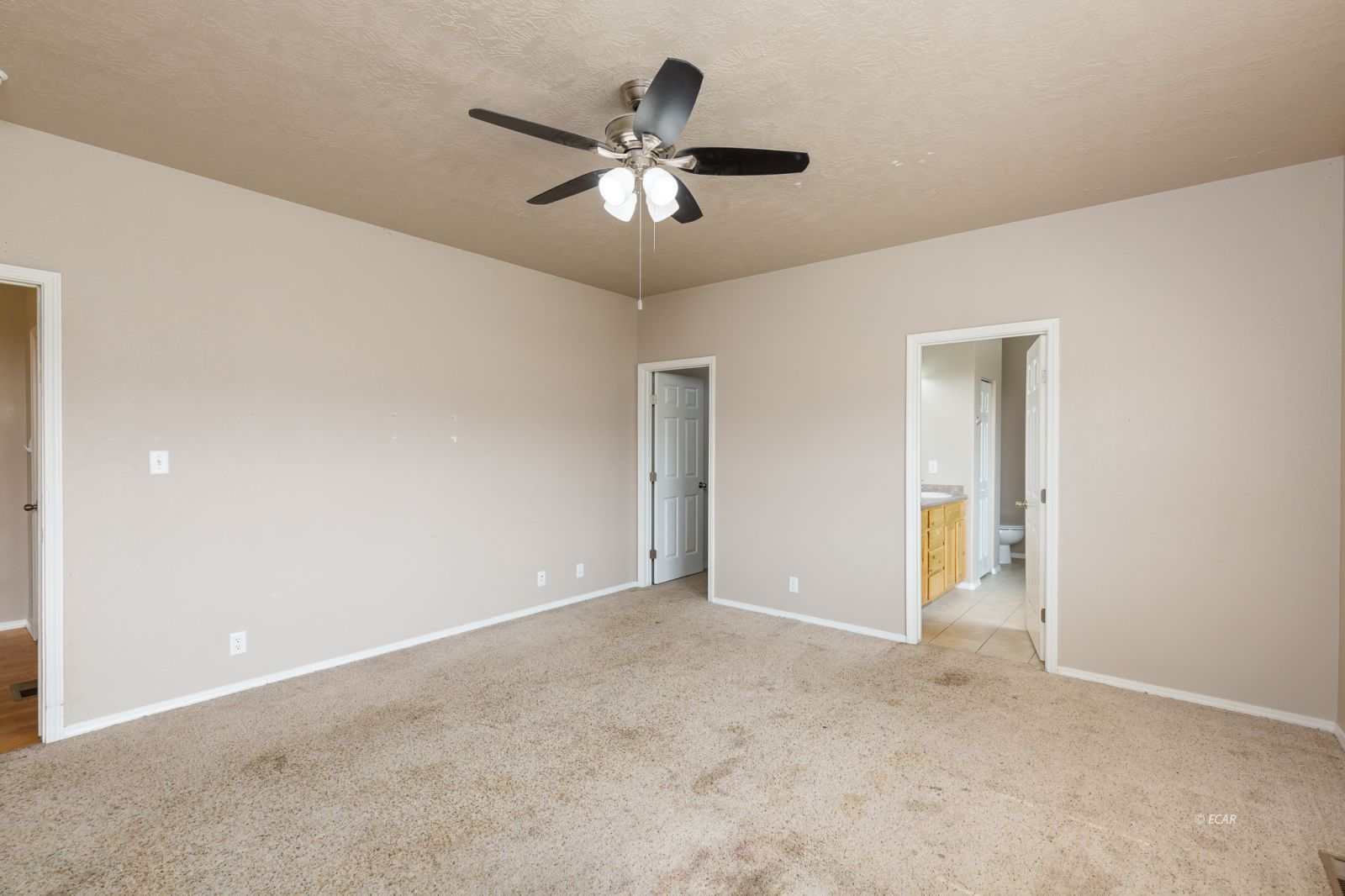 358 Country Club Parkway Property Photo 13