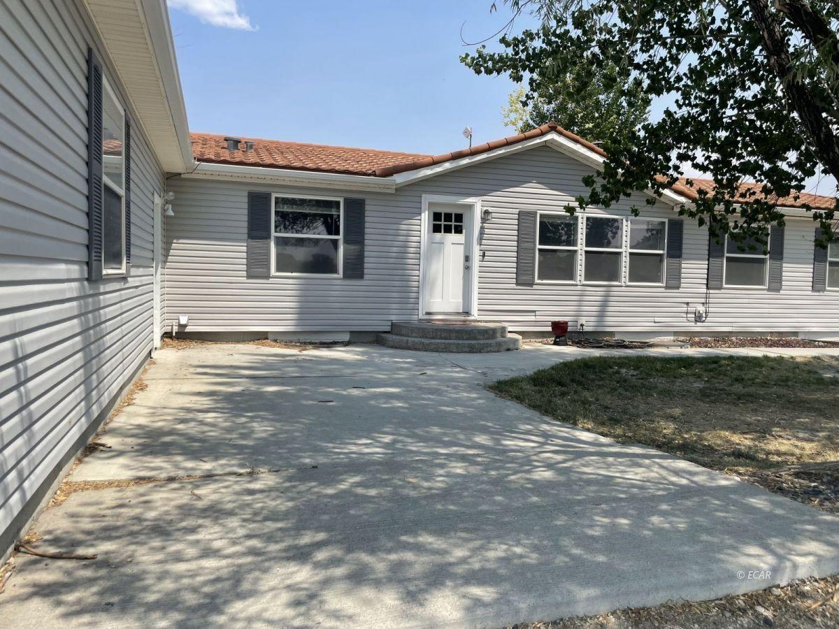 390 Oakshire Drive Property Photo 5