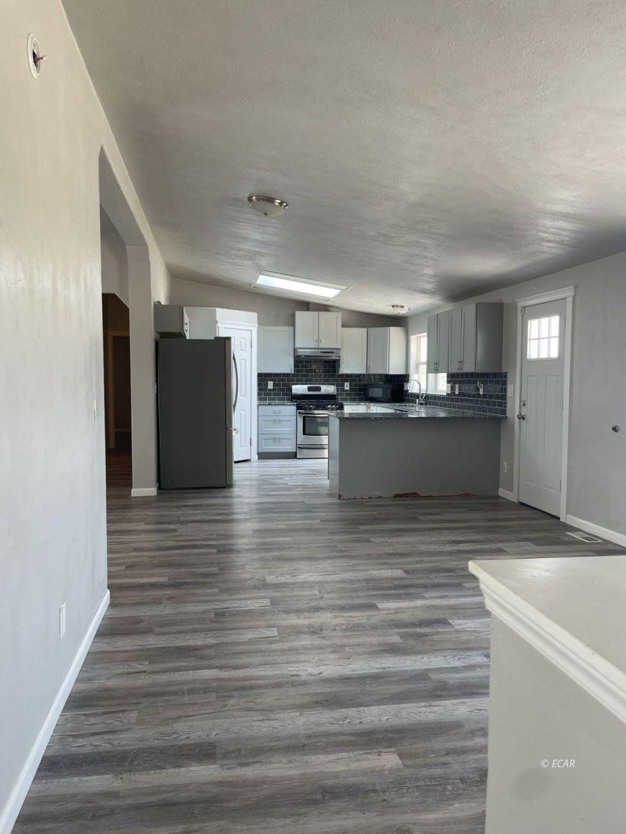 390 Oakshire Drive Property Photo 10