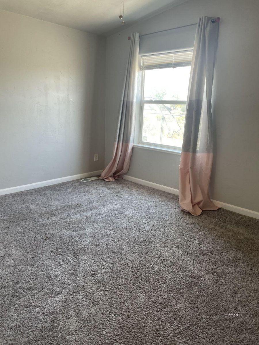390 Oakshire Drive Property Photo 15