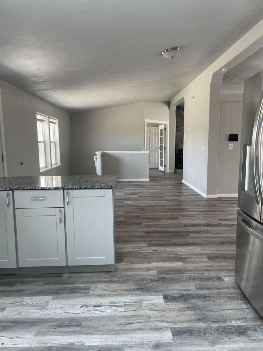 390 Oakshire Drive Property Photo 17
