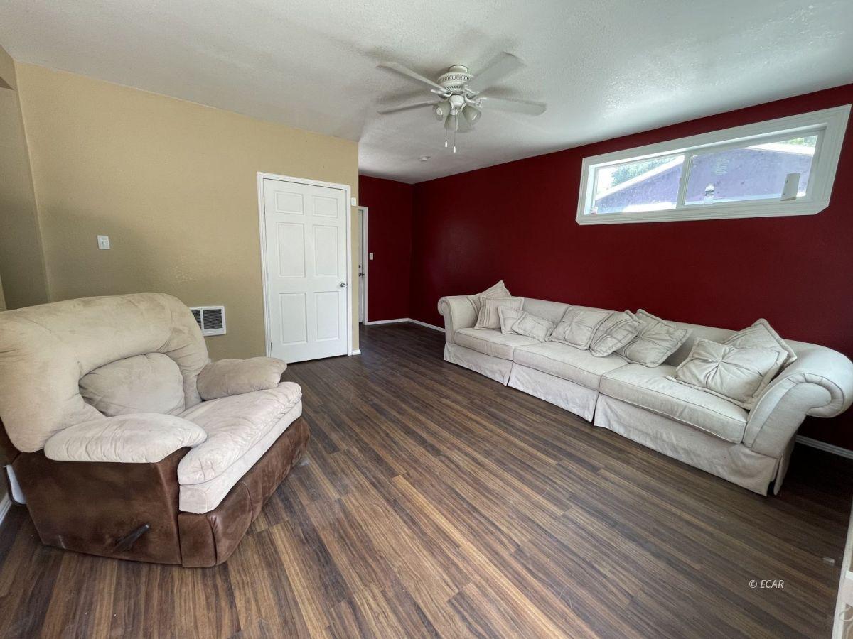 506 Cedar Street Property Photo 2