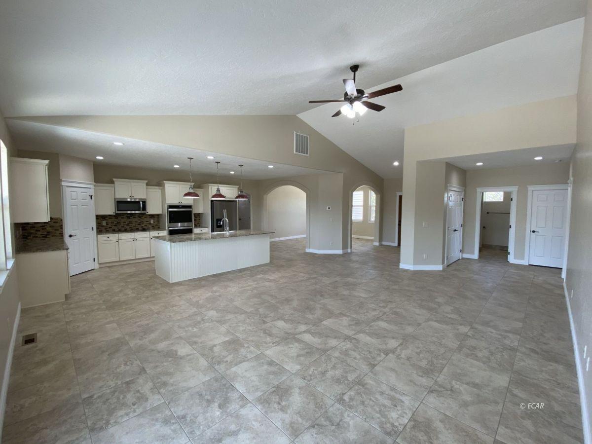 651 Spring Creek Parkway Property Photo 6