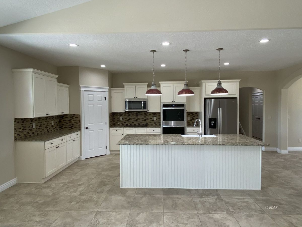 651 Spring Creek Parkway Property Photo 7
